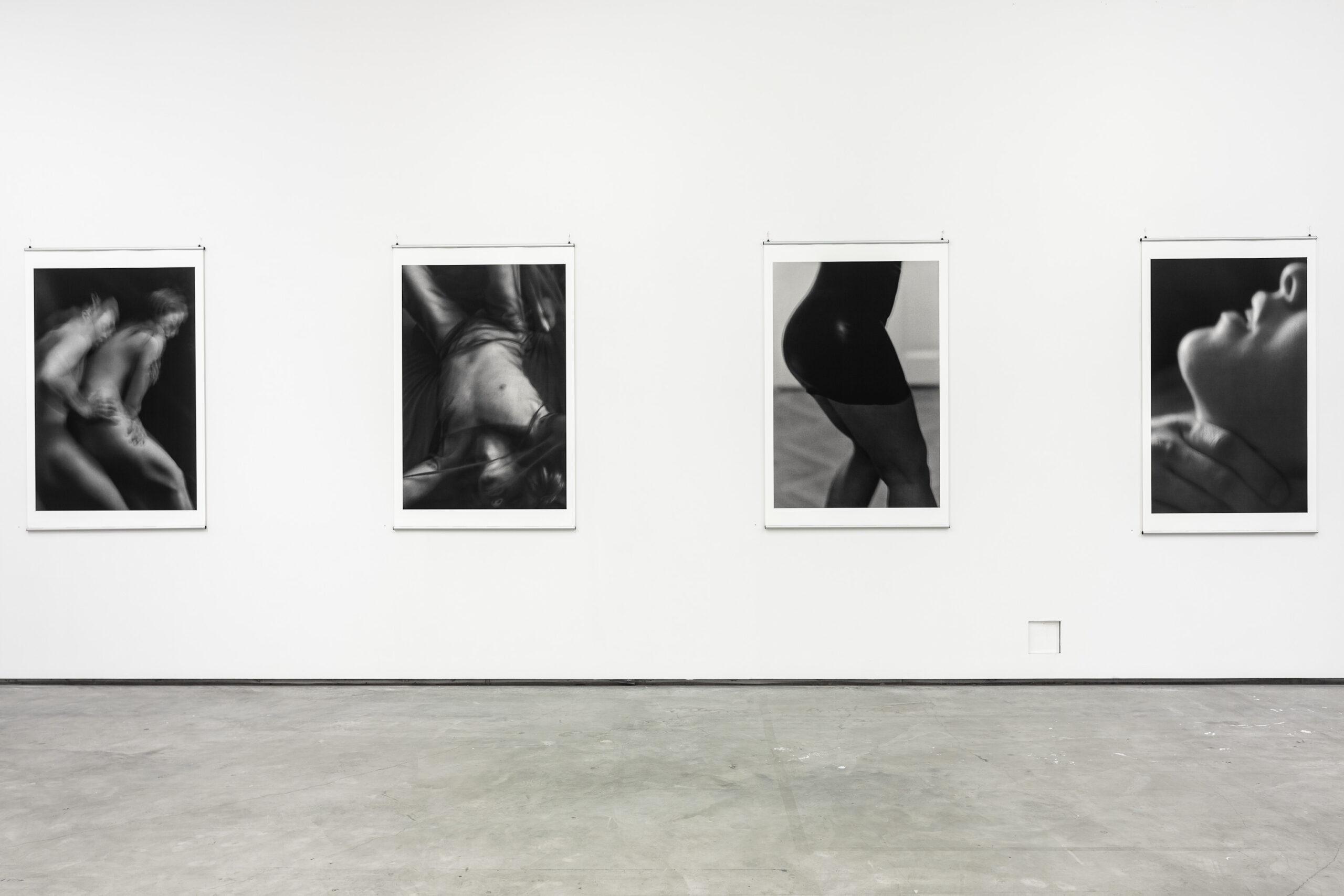 Stina Brockman. Utställningsfoto: Jean-Baptiste Béranger
